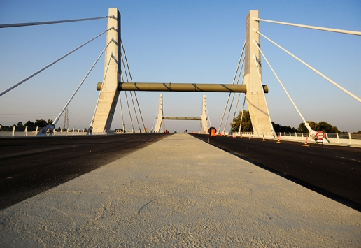 Cable-stayed bridge A31 Highway image 02